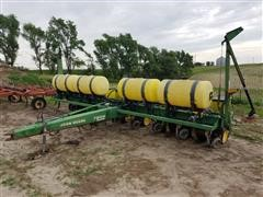 John Deere 7200 8R30W Pull Type Planter