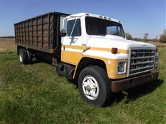 1985 International 1954 S/A Grain Truck