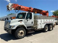 2005 International 7400 T/A Digger Derick Truck