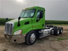 2013 Freightliner Cascadia 113 T/A Truck Tractor