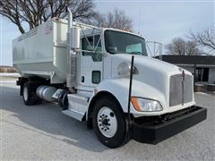 2012 Kenworth T370 S/A Feed Truck