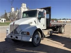 2005 Kenworth T300 S/A Flatbed Truck