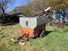 International Harvester 10 Auger Wagon
