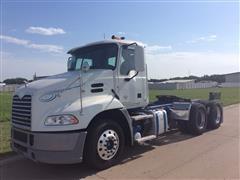 2013 Mack Pinnacle CXU613 T/A Truck Tractor