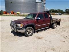 2002 GMC 2500 4x4 Extended Cab Flatbed Pickup