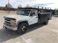2001 Chevrolet 3500HD 2WD Service Utility Truck