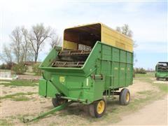John Deere 112 Chuck Wagon