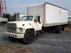 1984 Ford F-700 Box Truck
