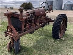 Farmall F-20 2WD Tractor (INOPERABLE - Parts Only)