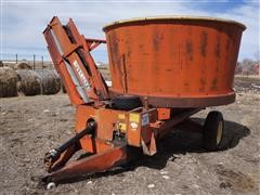 Farmhand Tub Grinder W/Conveyor