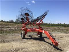 KUHN SR108 8 Wheel Rake