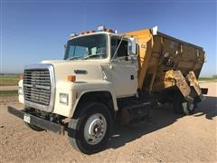 1991 Ford LN8000 Feed Truck