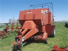 Hesston 4900 Big Square Baler