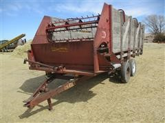 Gehl Feeder Wagon