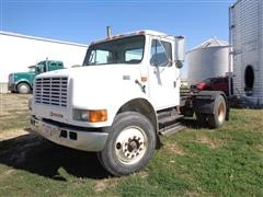 2001 International 4700 S/A Day Cab Truck Tractor