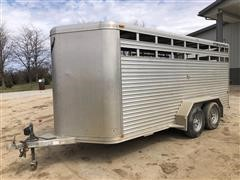 2004 Featherlite 8107-6716 T/A Livestock Trailer