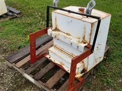 Auxiliary Fuel Tank W/Toolbox