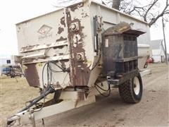 KUHN Knight RC150 Commercial Reel Mixer Feed Wagon