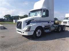 2010 Volvo Day Cab T/A Truck Tractor