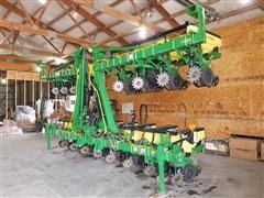 2016 John Deere 1725 16R30 Stackfold Planter