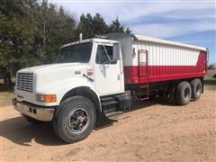 1996 International 4900 T/A Grain Truck