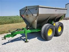 Tyler Moonwalk Granular Fertilizer Spreader