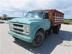 1967 Chevolet C-50 Grain & Livestock Truck