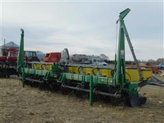 John Deere 1700 8R30 Planter