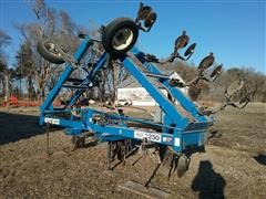 DMI 3200 13 Shank Anhydrous Applicator