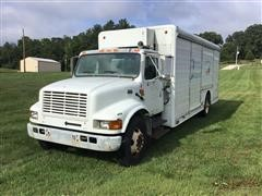 2000 International 4700 S/A Beverage Truck