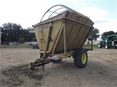 Dump Chief 702 Side Dump Silage Wagon