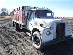 1974 International Loadstar 1600 S/A Grain Truck