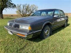 1988 Oldsmobile Delta 88 Royale Brougham 4 Door Sedan