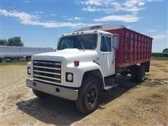 1979 International 1824 S-Series S/A Grain Truck