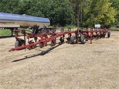 Case IH 800 Molboard Plow