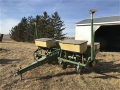 """John Deere 7000 4R36"""" Planter"""