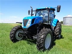 2014 New Holland T7. 235 MFWD Tractor