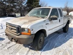 1999 Ford F250 XL Super Duty Extended Cab 4x4 Pickup