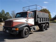 1992 International 8200 6X4 Water/Mud Truck