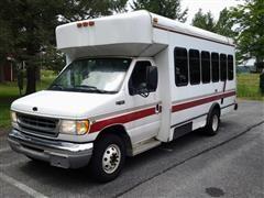 2001 Ford E-450 Super Duty Bus