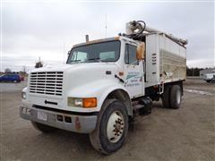 1994 International 4900 S/A Bulk Feed Truck