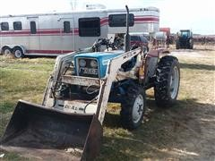 Ford F1700 MFWD Tractor W/Loader