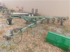 John Deere 2700 7-bottom Plow