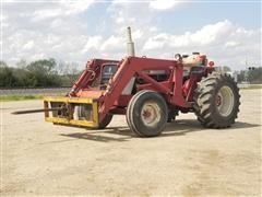 International 574 Industrial 2WD Tractor W/Loader & Spear