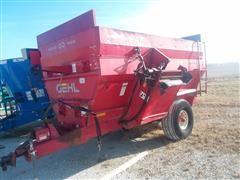Gehl 8335 Feed Wagon