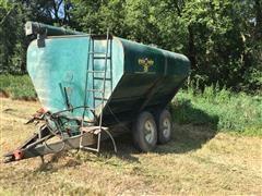 Bulkanizer Grain-O-Vator Feed Wagon