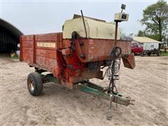 Gehl B130 Feed Wagon
