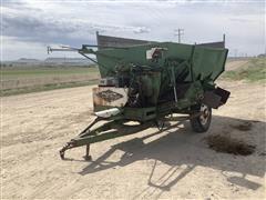 Henke B240 Feed Wagon