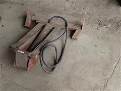 Wards Hydraulic Wagon Hoist