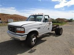 1993 Ford F-450 Super Duty Dually Cab & Chassis Pickup